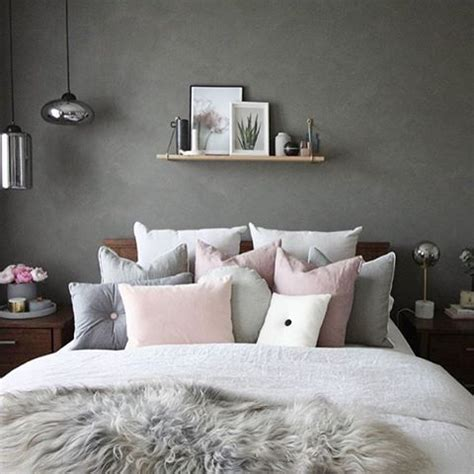 grey white pink bedroom 25 best ideas about grey bedrooms on pinterest grey