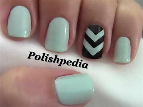 chevron pattern for nails chevron accent nails polishpedia nail art nail guide