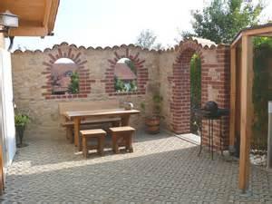 mauern garten mauer trockenmauer stein gartengestaltung gartenbau