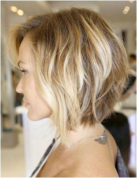 hair with slight waves best 25 medium length bobs ideas on pinterest graduated