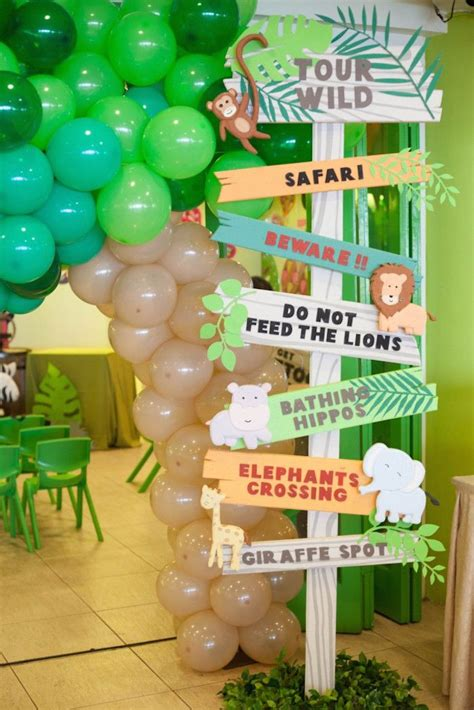 animal themed decorations 25 best ideas about jungle theme on