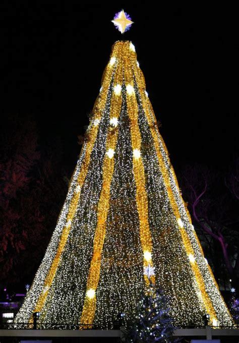 los 11 193 rboles de navidad m 225 s espectaculares de todo el