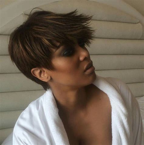 i love the way this hairstyle flips up in the back la best 25 tyra banks short hair ideas on pinterest
