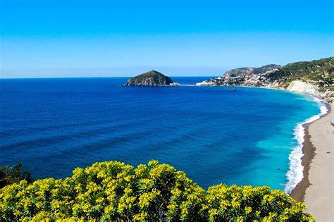 ufficio turismo ischia ischia sole mare ma anche elettrizzante movida tgcom24