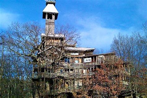 world s biggest tree house world s tallest treehouse built from reclaimed wood inhabitat green design