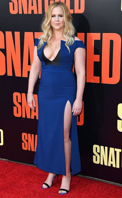amy schumer sexy amy schumer asked netflix for more money people com