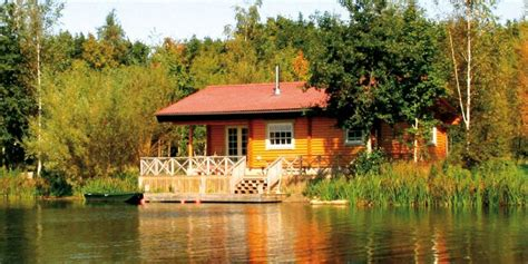 Cottages With Fishing by 1000 Images About Cottages In Cotswold Water Park