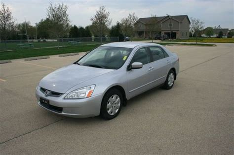 sell used 2004 honda accord lx one owner low new
