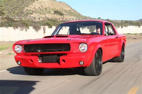 Piece D Auto Mustang by This 1965 Ford Mustang Is A Linebacker In A Three Piece