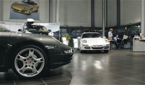 Audi Porsche Zentrum Bayreuth by Pavimenti Interni Di Concessionarie Auto In Gres