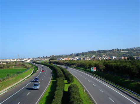 nero giardini messina autostrada a18 riaperta parzialmente la tratta