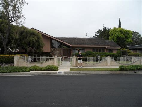 brady bunch house the brady bunch house www imgkid com the image kid has it