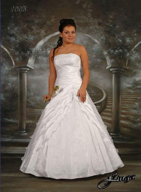 Hochzeitsmode Günstig by Brautkleid Witten