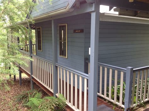 Frogmouth Cottage by Honeyeater Cottage At Maleny Country Cottages Is A