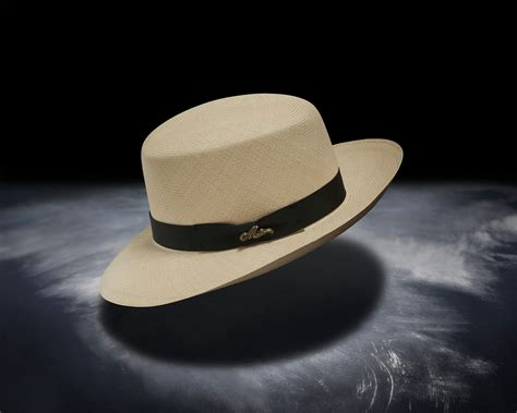 Parutan Multipungsi file monticristi straw hat optimo jpg wikimedia commons