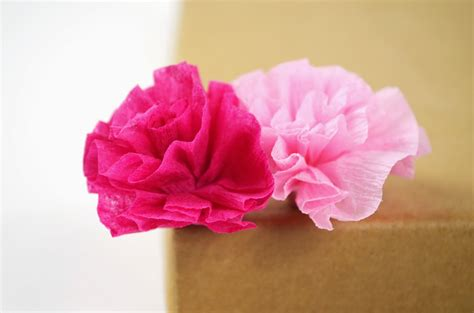 How To Make Flowers Using Crepe Paper - 20 diy crepe paper flowers with tutorials guide patterns