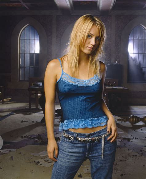 kaley cuoco as penny in quot the big bang theory quot hair charmed kaley cuoco charisma carpenter dvdbash