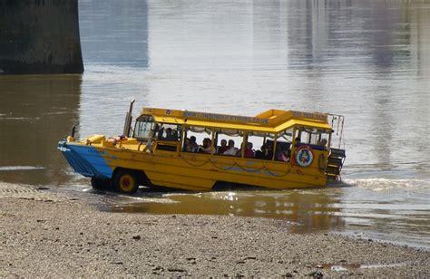 duck boat tours file duck tour boat beaching jpg wikipedia