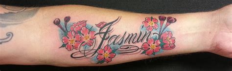 tattoo blumen arm name schrift text schriftzug 4 art of