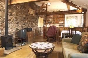 steinwand wohnzimmer beispiele de pumpink wanddeko t 252 rkis blau