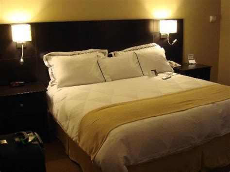 hotels with sleep number beds sleep number bed picture of radisson hotel fargo fargo