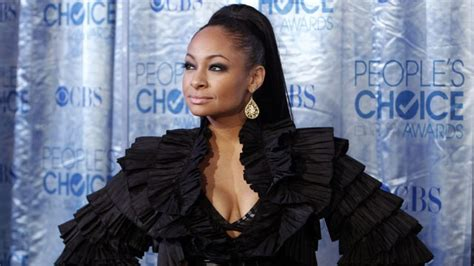 raven symon defends univision anchors comment on raven symone defends fired anchor rodner figueroa for