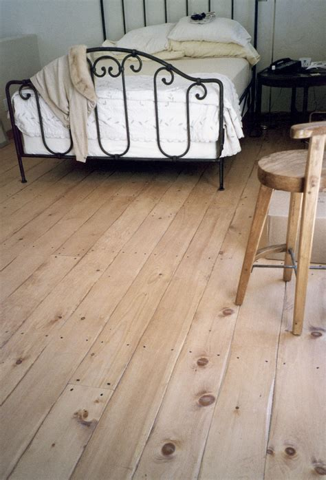 Eastern White Pine Flooring in a Bedroom