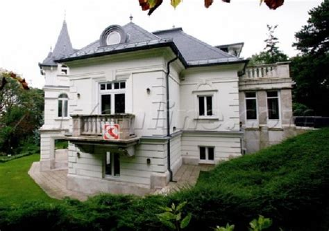 angelina jolie new home angelina jolie s new house in hungary