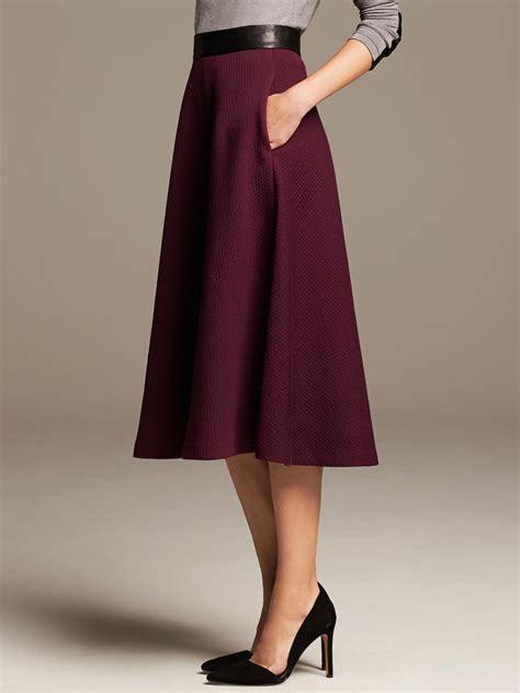 banana republic burgundy jacquard midi skirt in purple