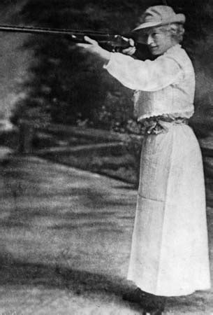 Annie Oakley | American markswoman | Britannica.com