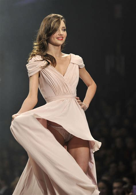 miranda kerr accidentally flashes underpants on catwalk in