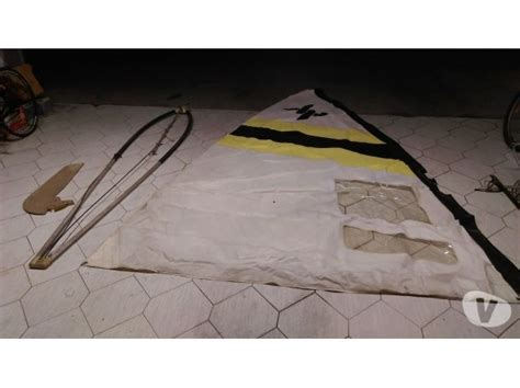 tavola a vela tavola windsurf con albero e vela posot class