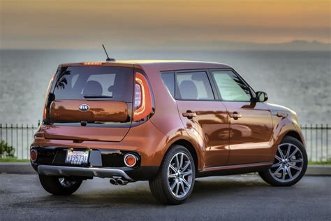 who makes kia soul the kia soul turbo makes its u s debut insider car news