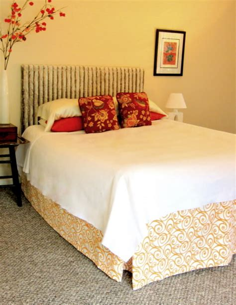 Diy Bed Headboard Bedroom Staging Diy Headboard And Make Believe Bed Diy Home Staging Tips