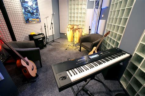musical rooms interviews with musicians about their sydney house the real world photo 97843 fanpop