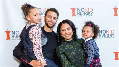 stephen and ayesha curry expecting second baby in july ayesha curry reveals she s been hospitalized 5 times