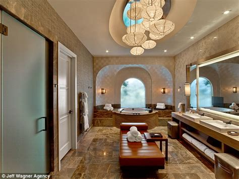 caesars palace 3 bedroom suite inside justin bieber s 21st birthday rooftop villa at the