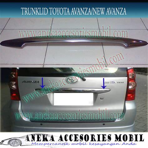 Lu Belakang Mobil Avanza trunklid belakang toyota avanza dan new avanza trunk lid