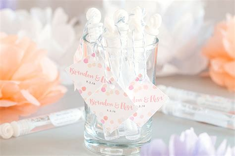 wedding favors bubbles personalized wedding bubbles weddings ideas from evermine