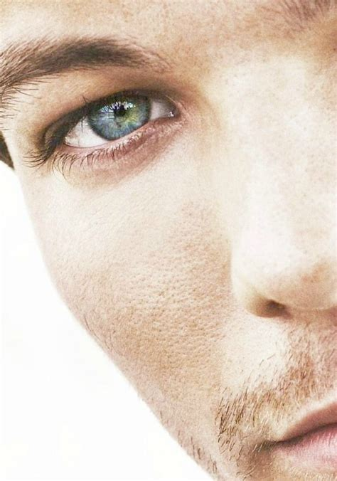 louis tomlinson eye colour larry stylinson