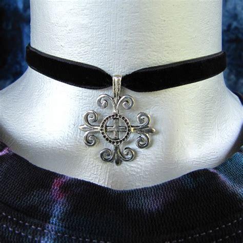 thin black velvet ribbon choker necklace with cross charm