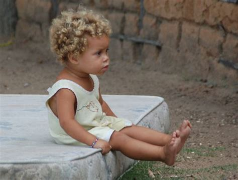 eek so adorable i want a little mixed girl mixed baby tumblr black baby blonde hair beautiful