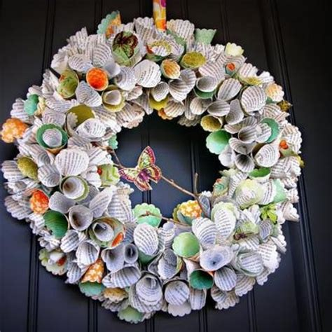 How To Make A Wreath Out Of Paper - 155 best images about crafts using books on