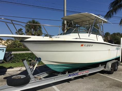 Cuddy Cabin Boat For Sale by 1990 Used Pursuit 25502550 Cuddy Cabin Boat For Sale