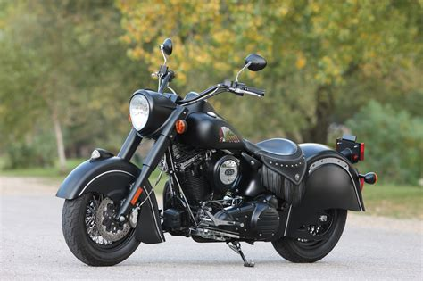 2016 Indian Chief Dark Horse Uncovered