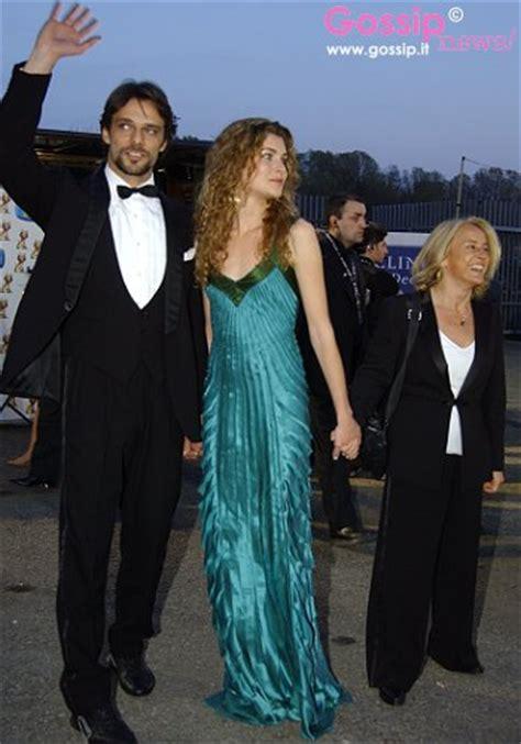 vittoria puccini and alessandro preziosi marriage elisa trionfatrice dei telegatti foto e gossip by gossip