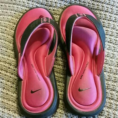nike comfort footbed sandals 71 off nike shoes pink nike comfort footbed sandals