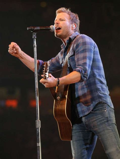dierks bentley houston dierks bentley takes it to another level houston chronicle