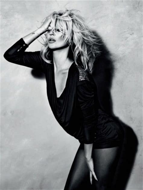 Kate Moss At Topshop The Queue Hots Up by Lima 2011 Wallpaper Zoe Saldana Nip Carlie Banks