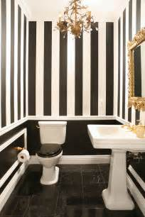 20 practical amp pretty powder room decorating ideas 23 traditional black and white bathrooms to inspire digsdigs